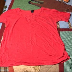 Coral Motherhood maternity shirt sleeve top
